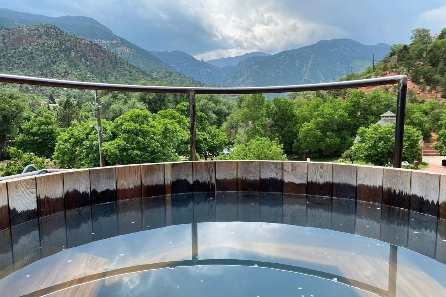 7 Hot Springs Near Denver: Beautiful Mineral Waters Within 3 Hours